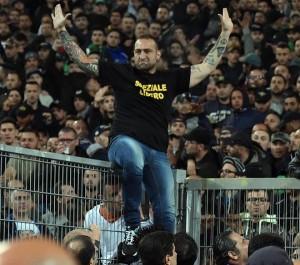 renzi promette la mano dura contro violenza dentro e fuori gli stadi
