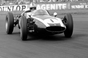 Brabham a bordo della Cooper T53