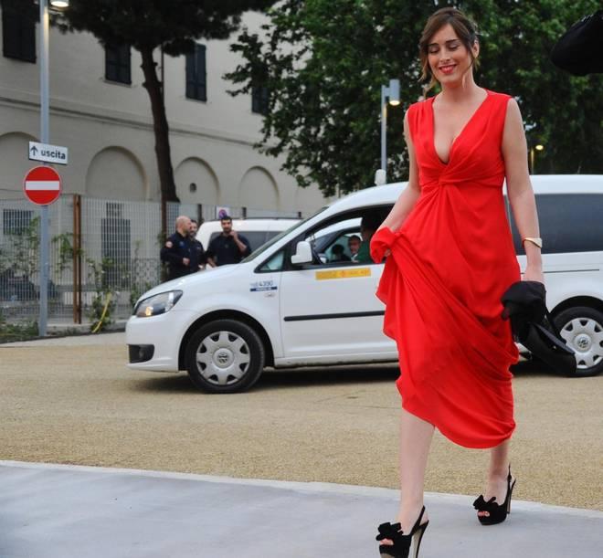 maria elena boschi la signora in rosso al maggio fiorentino