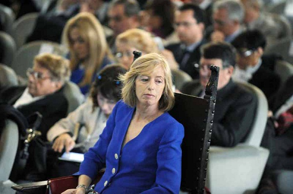 ministro giannini basta con le supplenze