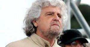 Grillo insorge: �Campagna vergognosa contro M5S, Renzi � un ebete�