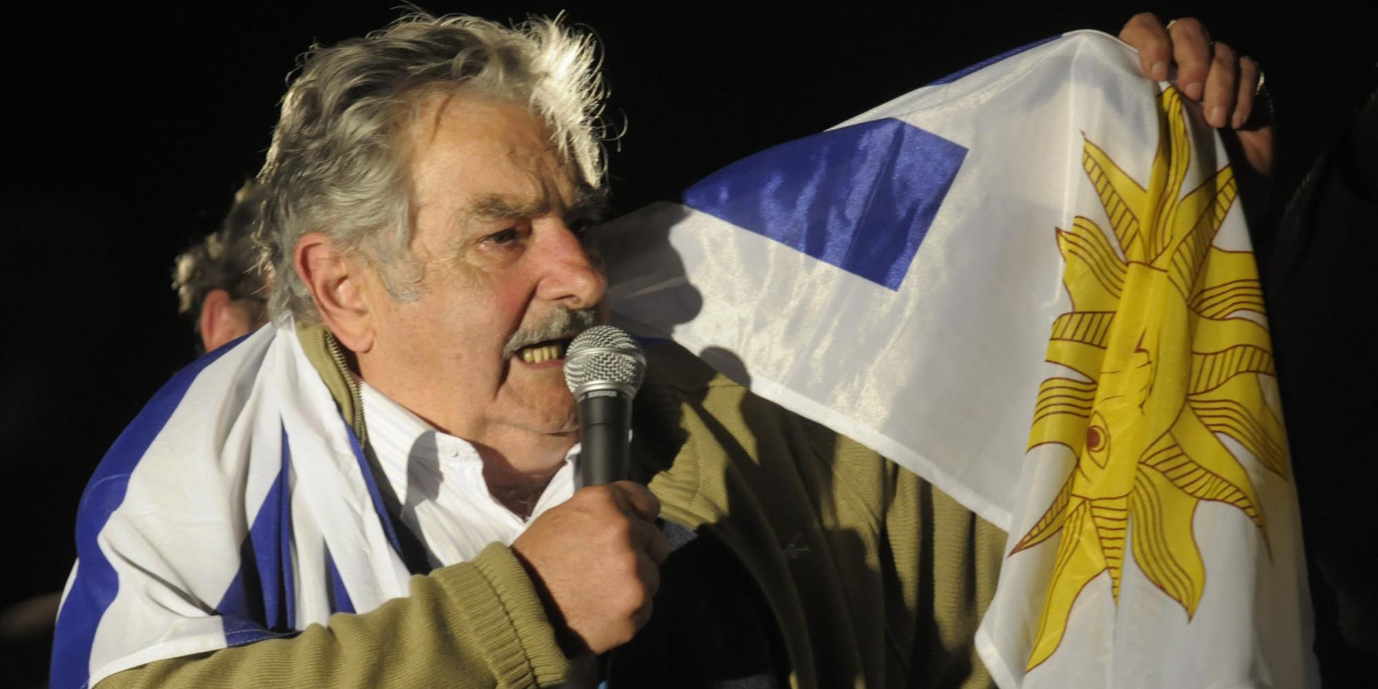 mujica-guerra-poteri-forti-calcio