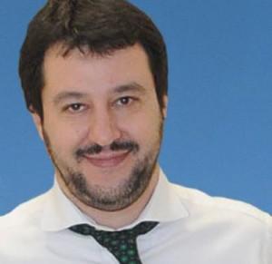Salvini-show a comizio Lega: �Non pagate le tasse�