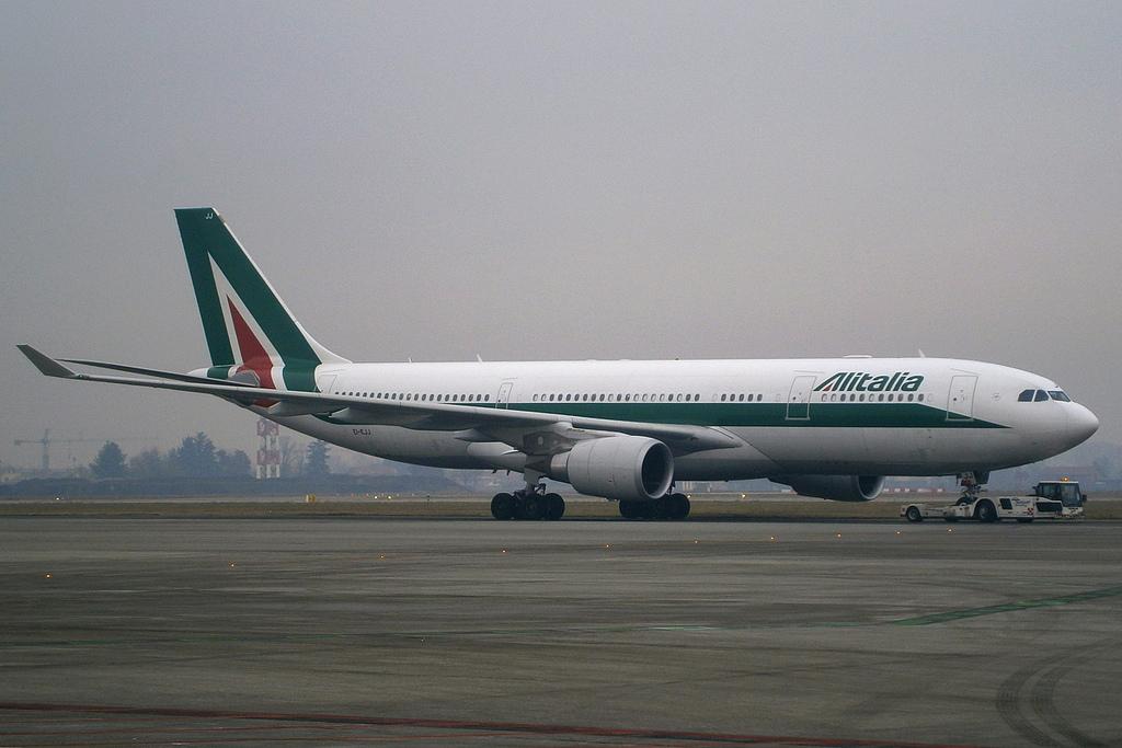 Sondaggi Swg: Alitalia, italiani preferiscono vendita ad una compagnia estera