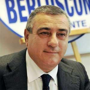 chiesto arresto per deputato forza italia luigi cesaro