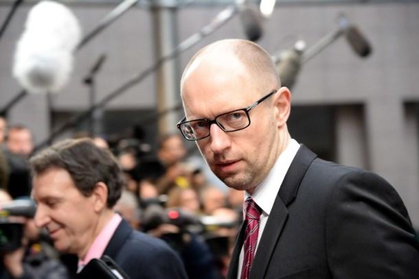 Ucraina dimissioni Yatseniuk