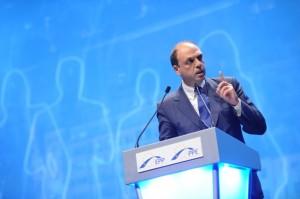 Alfano (NCD) sul dramma immigrati: �UE non ci sta lasciando da soli�