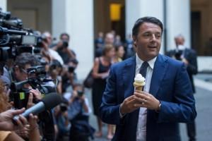 Renzi e il gelato: �Lo rifarei subito, il conto l�ho pagato io�