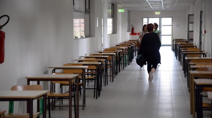 scuola riforma governo renzi ministro giannini cento mila assunzioni
