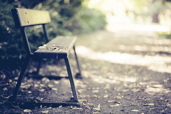 suicidio sedia vuota