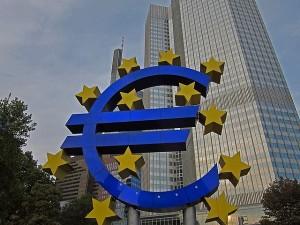 Merkel, Draghi e la flessibilit� nelle regole di bilancio