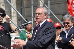 Epifani sar� in piazza con la Cgil: �Sindacato va difeso�