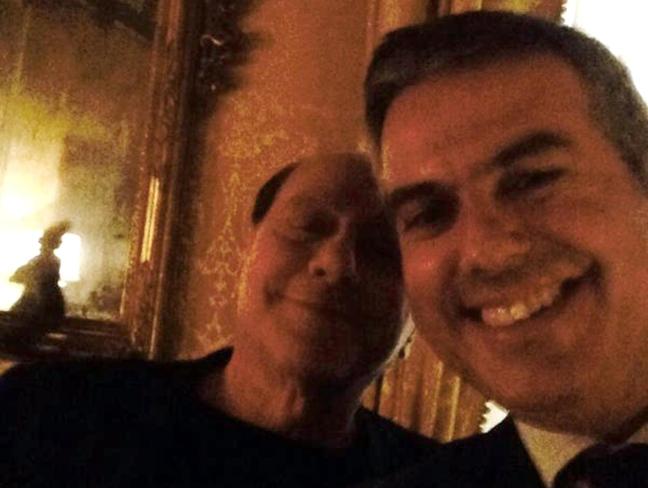 selfie giacomo bugaro silvio berlusconi