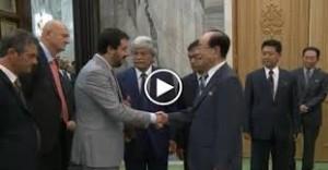 Tra confetti abruzzesi e prove di dialogo, la missione di Razzi in Corea del Nord