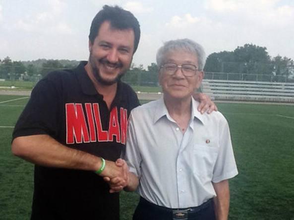 Salvini con Pak Doo-Ik, il centrocampista che eliminò l'Italia dal mondiale 1966