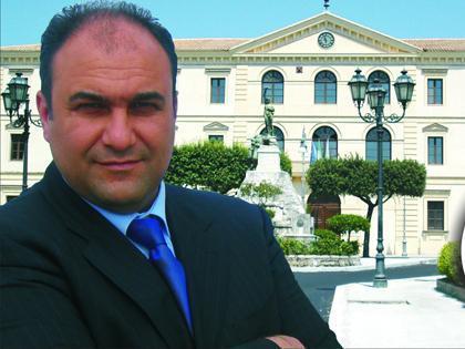 sindaco locri in calabria scrive a gesu per combattere assenteismo dipendenti comunali