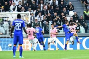 Calo degli abbonamenti tra Napoli e Milan,ok Juventus,Roma e Inter