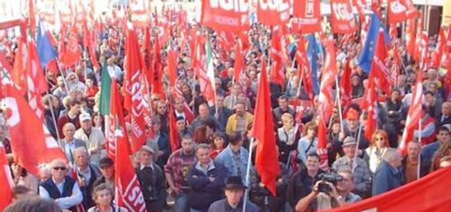 cgil in piazza manifestazione 25 ottobre 2014 governo renzi