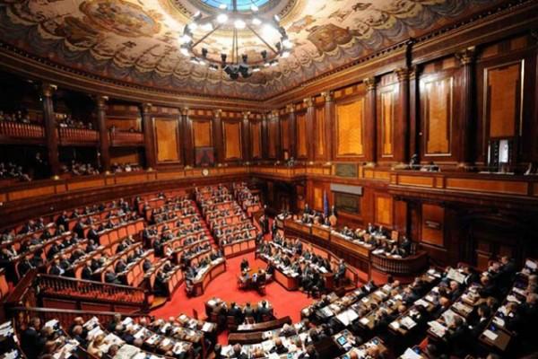 Al senato esame del ddl sul reddito di cittadinanza del m5s for Aula di montecitorio
