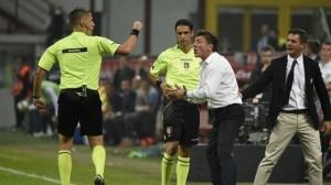 L'espulsione di Mazzarri durante la sfida contro il Napoli