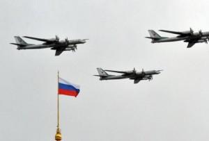 Tensione Nato-Russia: insolite manovre aeree ai confini europei