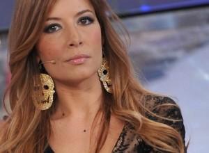 Candidato sindaco leghista insulta Selvaggia Lucarelli su Facebook e lei lo umilia in diretta radiofonica