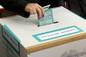Ultime Notizie: SPECIALE ELEZIONI REGIONALI 2014 Affluenza ore 19 Emilia 30,9% Calabria 34,6% Risultati elezioni regionali Emilia Romagna
