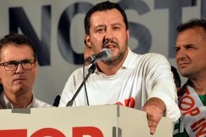 Cattaneo (NCD) attacca Salvini �Si comporta come l�Isis a Mosul�