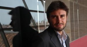 Sondaggio su Roma: Di Battista candidato sindaco per il M5S e Meloni per il centrodestra secondo il Tempo