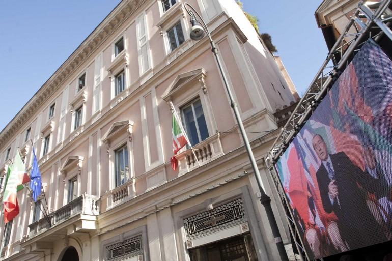 non licenzieremo dipendenti di forza italia annuncio di amministratore mariaelena rossi