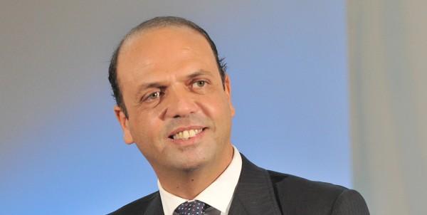 Angelino Alfano sui migranti