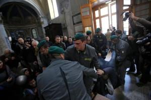 Manifestazione Lega, tensione a Roma, Salvini: �Non ci fermeranno quattro squadristi�