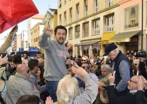 Lega, Salvini contro i black bloc: �pezzi di m�. Alfano dovrebbe dimettersi�.