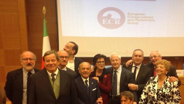 foto di gruppo ecco i senatori che hanno lasciato berlusconi per passare con fitto