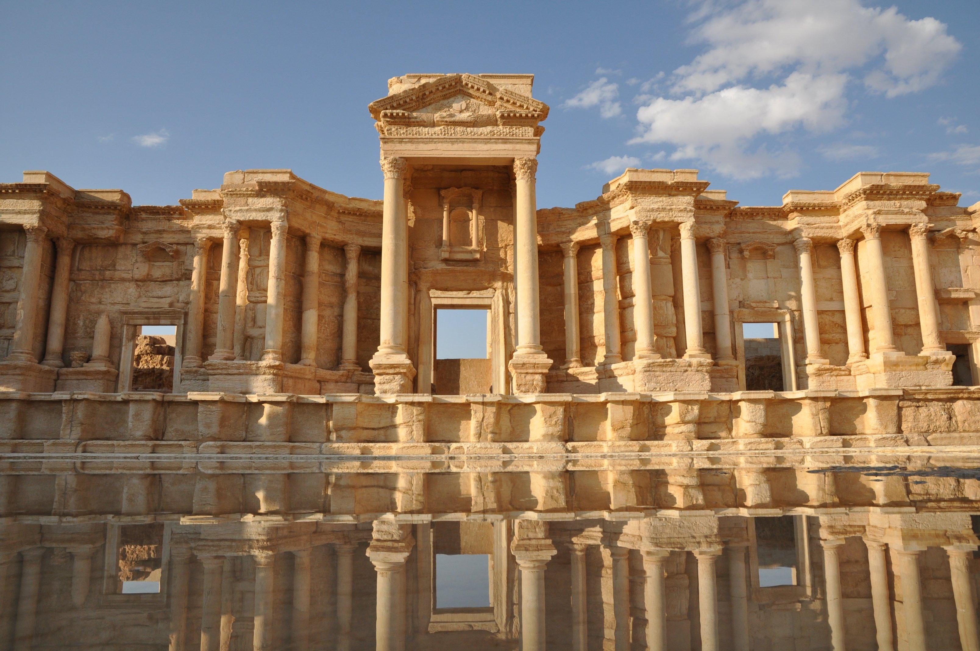 Siria palmyra verr distrutta for Citta della siria che da nome a un pino
