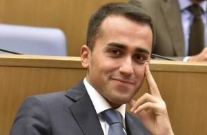 Di Maio: �Farei il premier. Berlusconi porta sfiga�