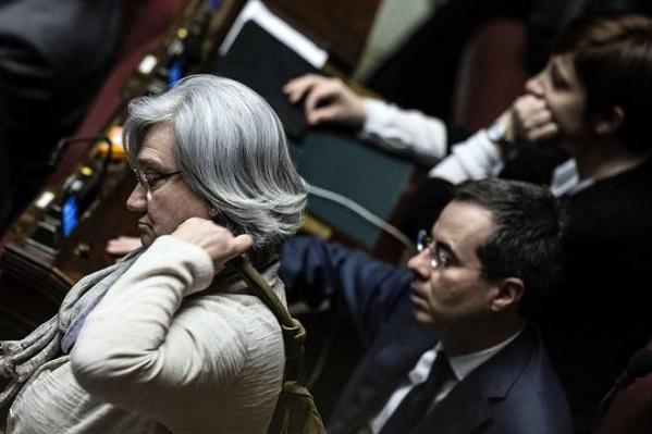 Bindi e Colaninno con sguardo deluso dopo approvazione Italicum