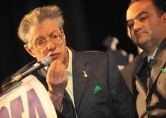 Rinvio a giudizio per Umberto Bossi e Francesco Belsito: truffa di 40 milioni di euro