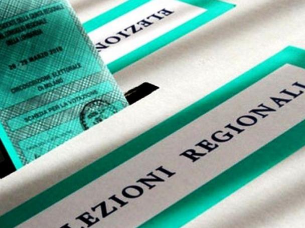 urna elettorale con scritta elezioni regionali di colore verde