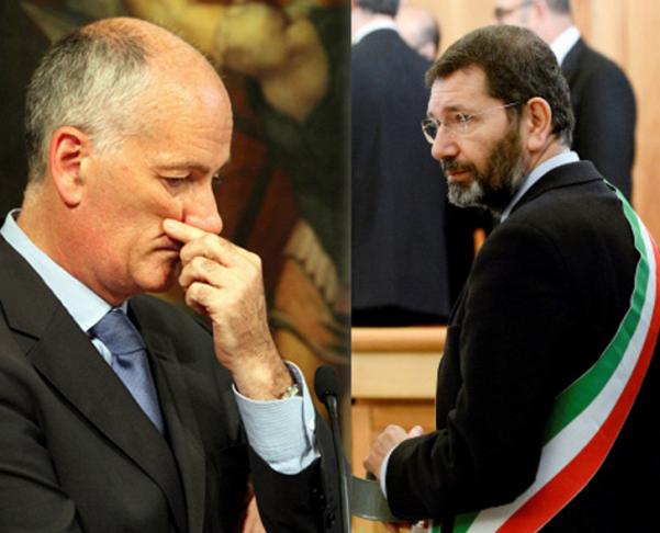 elezioni comunali Roma prefetto gabrielli con mani sul viso e affianco marino con fascia tricolore