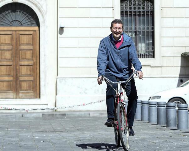 il sindaco di roma in bicicletta