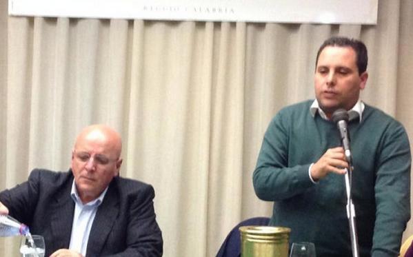 a sinistra presidente regione calabria oliverio e affianco l'assessore nino de gaetano