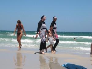 Tunisia: addio turismo e investimenti stranieri