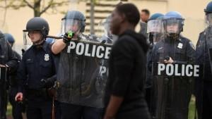 Usa: la polizia ti uccide se sei maschio, nero e disarmato