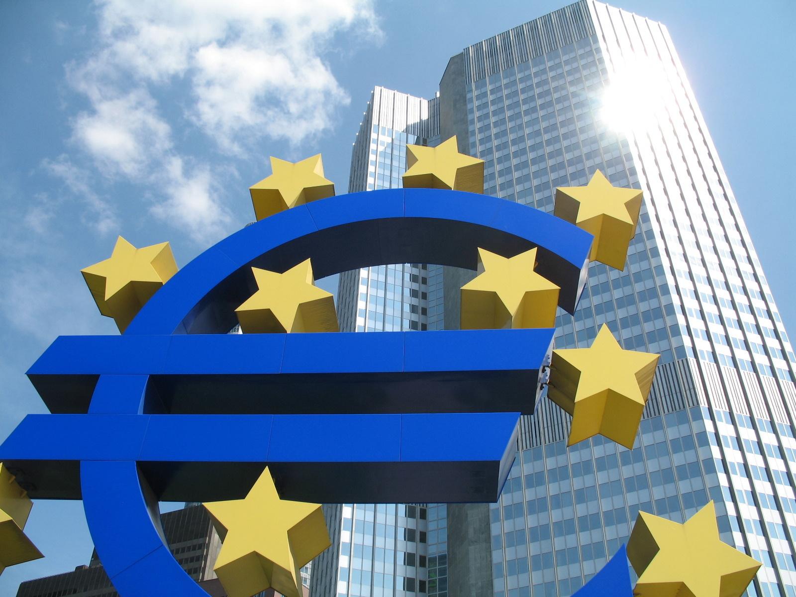 Euro, Italia, Infazlione e Tassi