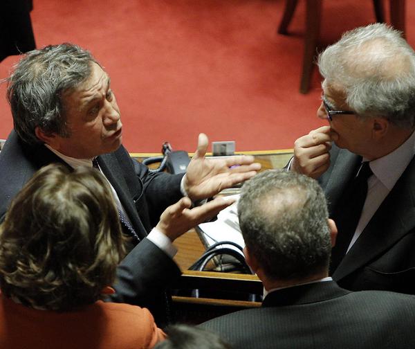 nell'aula del senato alcuni senatori tra cui azzollini e zanda