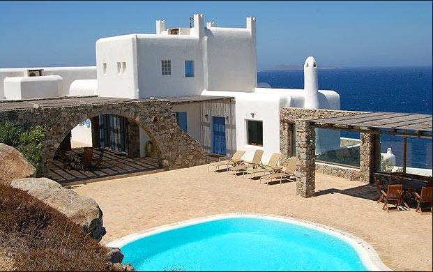 crisi grecia, apartamento con piscina