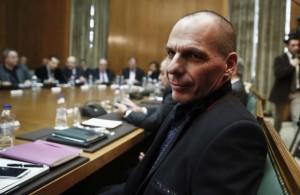 Grecia: Tsipras si scusa, Varoufakis a processo