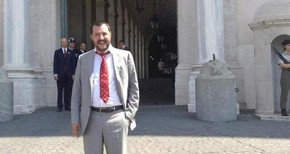 salvini in piazza montecitorio a roma