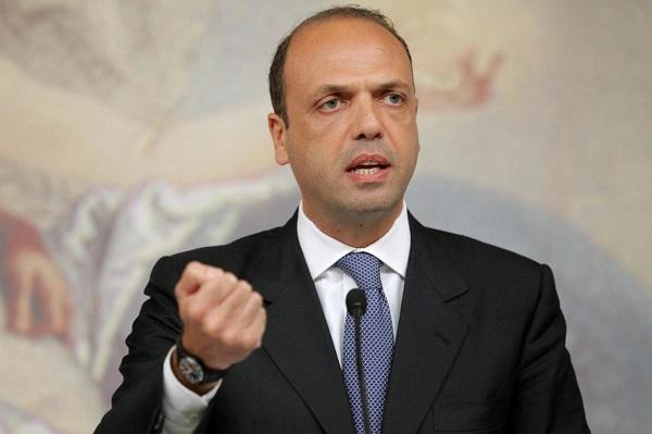attentato parigi, Il leader di Ncd Angelino Alfano
